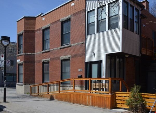 New Studio Apartment Little Italy Home Rental in Montréal 8 - thumbnail