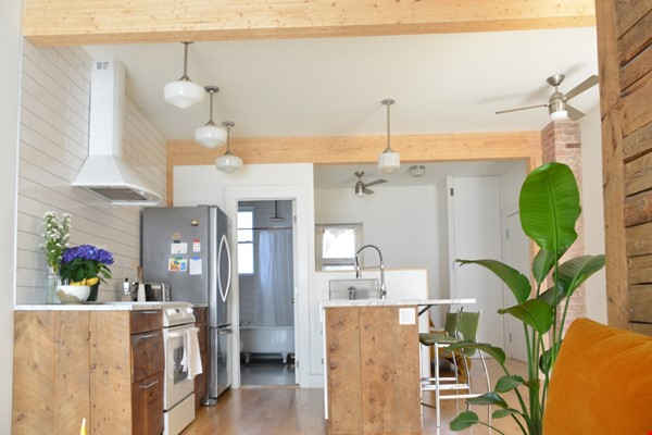 New Studio Apartment Little Italy Home Rental in Montréal 3 - thumbnail