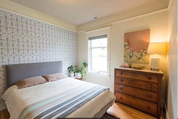 Scandinavian Queen Anne Home Home Rental in Seattle 5 - thumbnail