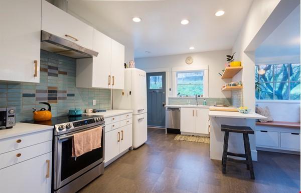 Scandinavian Queen Anne Home Home Rental in Seattle 3 - thumbnail