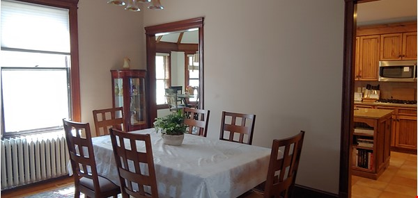 """Not your """"cookie cutter"""" rental unit. This condo has character! Home Rental in Minneapolis 3 - thumbnail"""