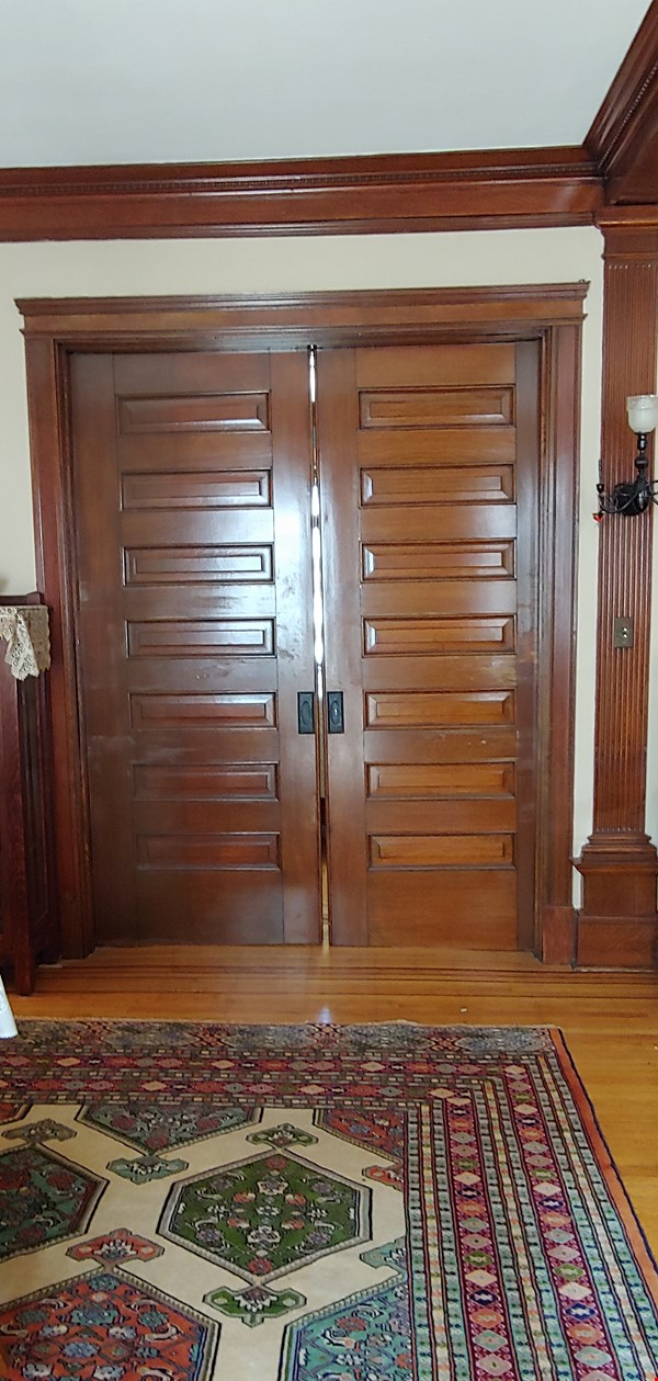 """Not your """"cookie cutter"""" rental unit. This condo has character! Home Rental in Minneapolis 5 - thumbnail"""