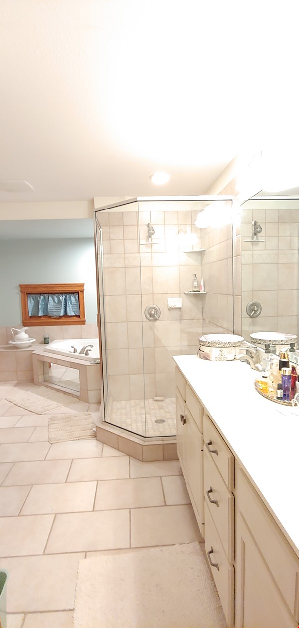 """Not your """"cookie cutter"""" rental unit. This condo has character! Home Rental in Minneapolis 7 - thumbnail"""