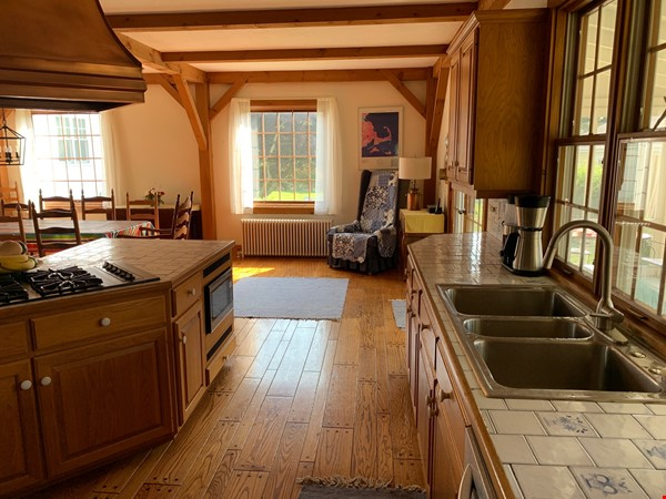 Close but feels far away. Beautiful historic home near Horseneck Beach Home Rental in Westport 3 - thumbnail