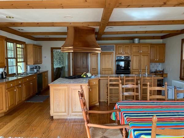 Close but feels far away. Beautiful historic home near Horseneck Beach Home Rental in Westport 2 - thumbnail