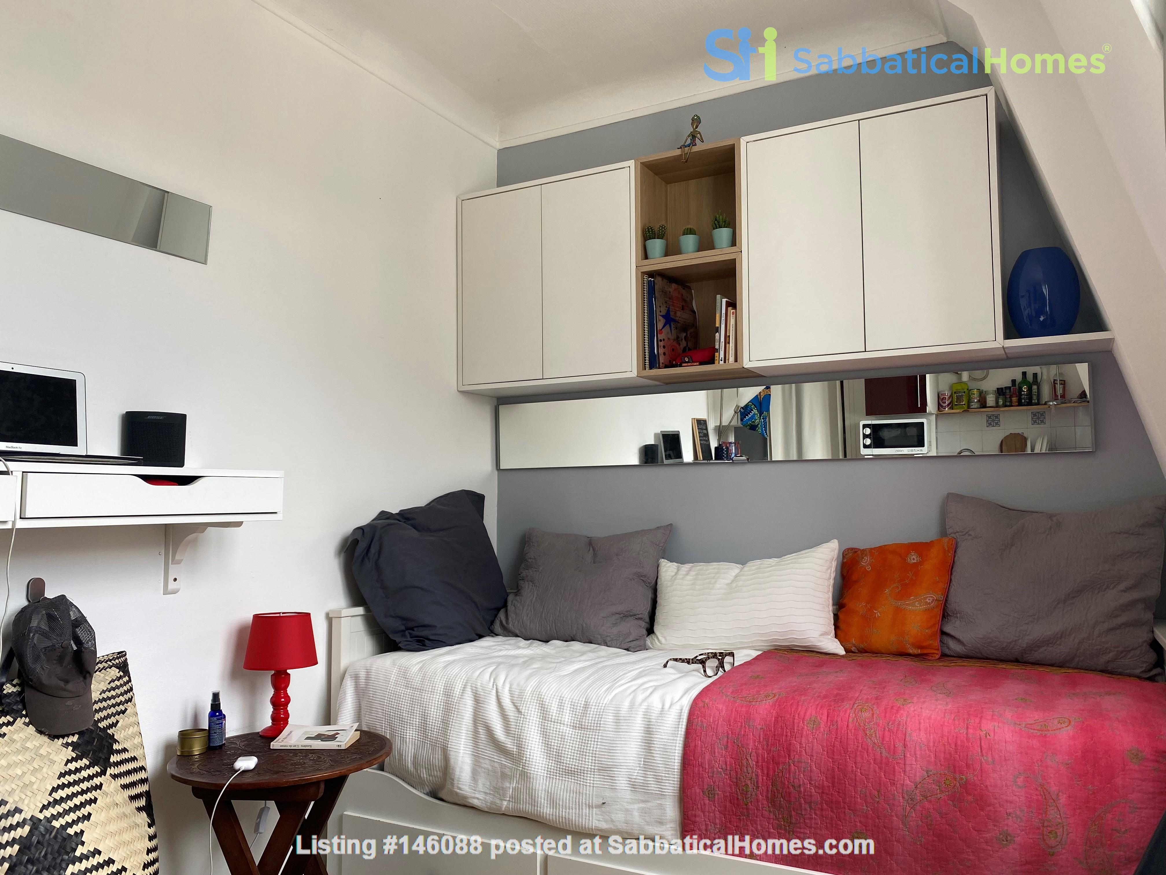 Exquisite Parisian studio in the sky! Home Rental in Paris 5