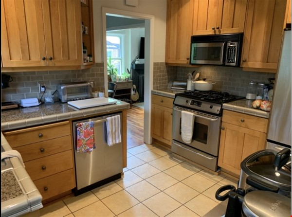 Looking for tenants for charming house walkable to the University of Utah Home Rental in Salt Lake City 6 - thumbnail