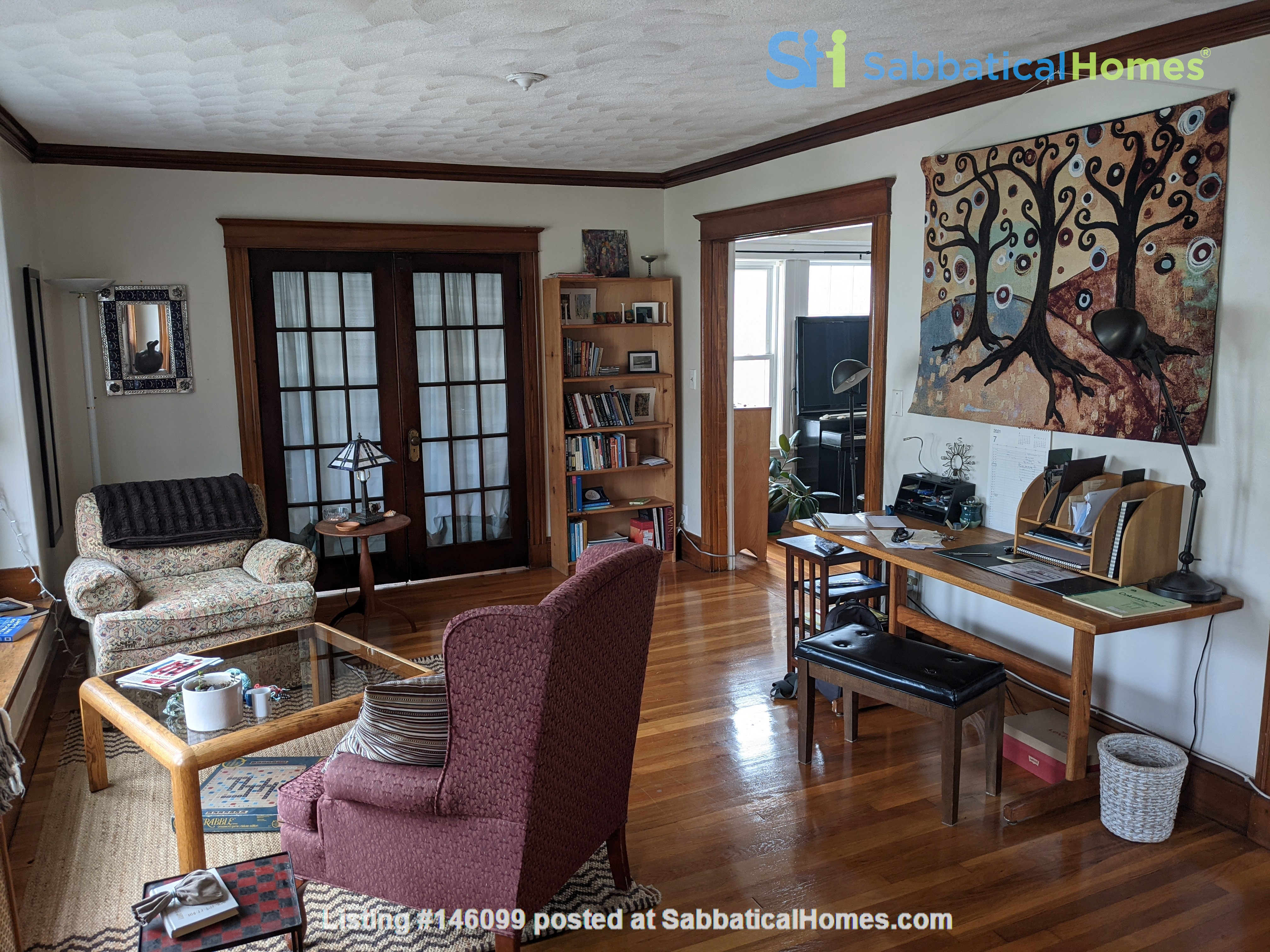 Sunny room in quiet, comfy apartment on the edge of Cambridge. Home Rental in Arlington 6