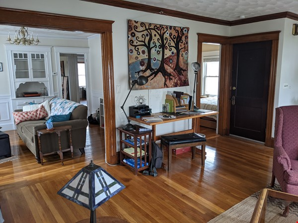 Sunny room in quiet, comfy apartment on the edge of Cambridge. Home Rental in Arlington 5 - thumbnail