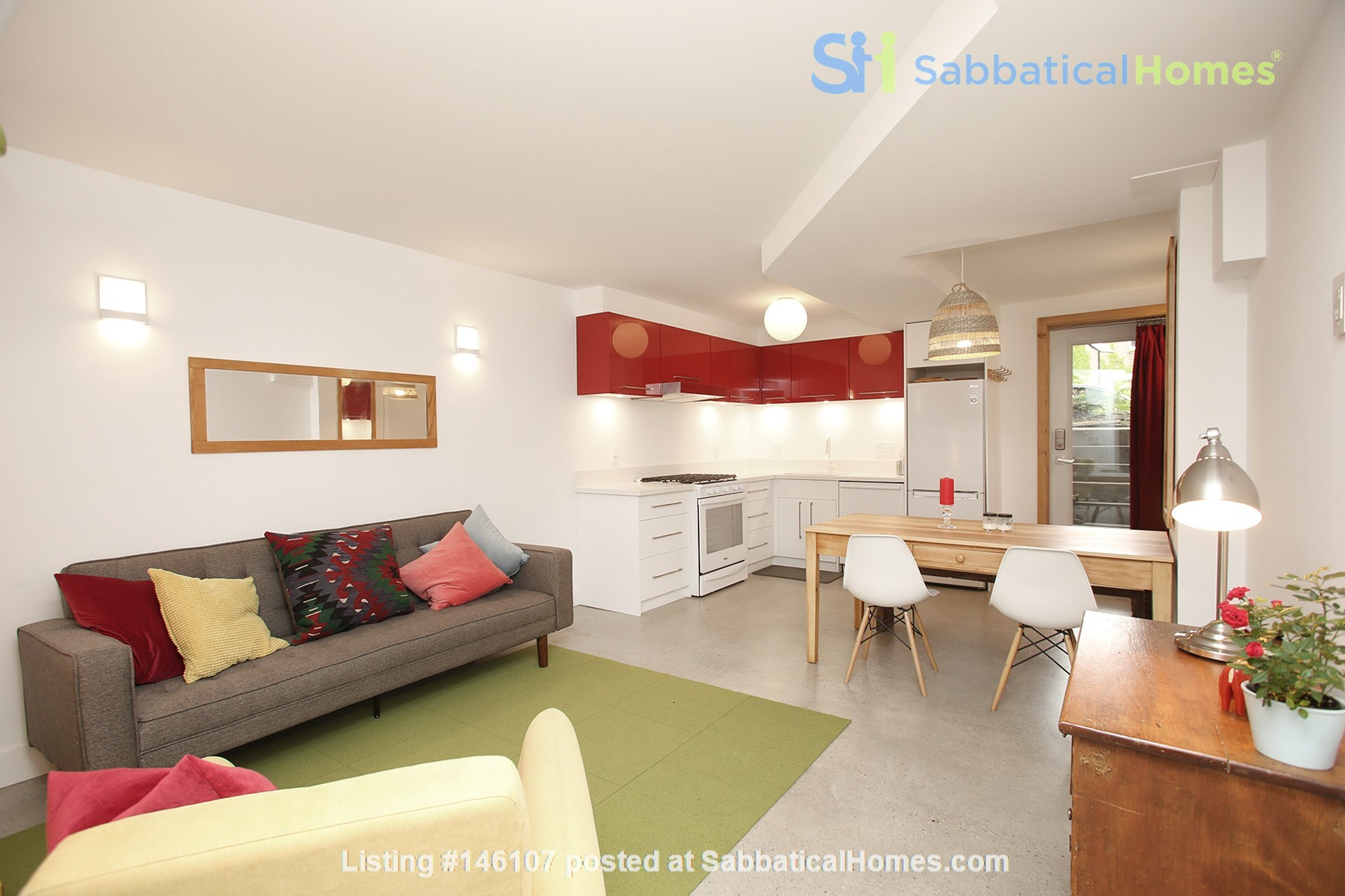 Modern designer space perfect for relaxing and working in! Home Rental in Toronto 0