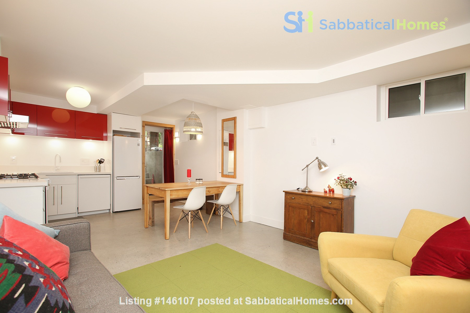 Modern designer space perfect for relaxing and working in! Home Rental in Toronto 4