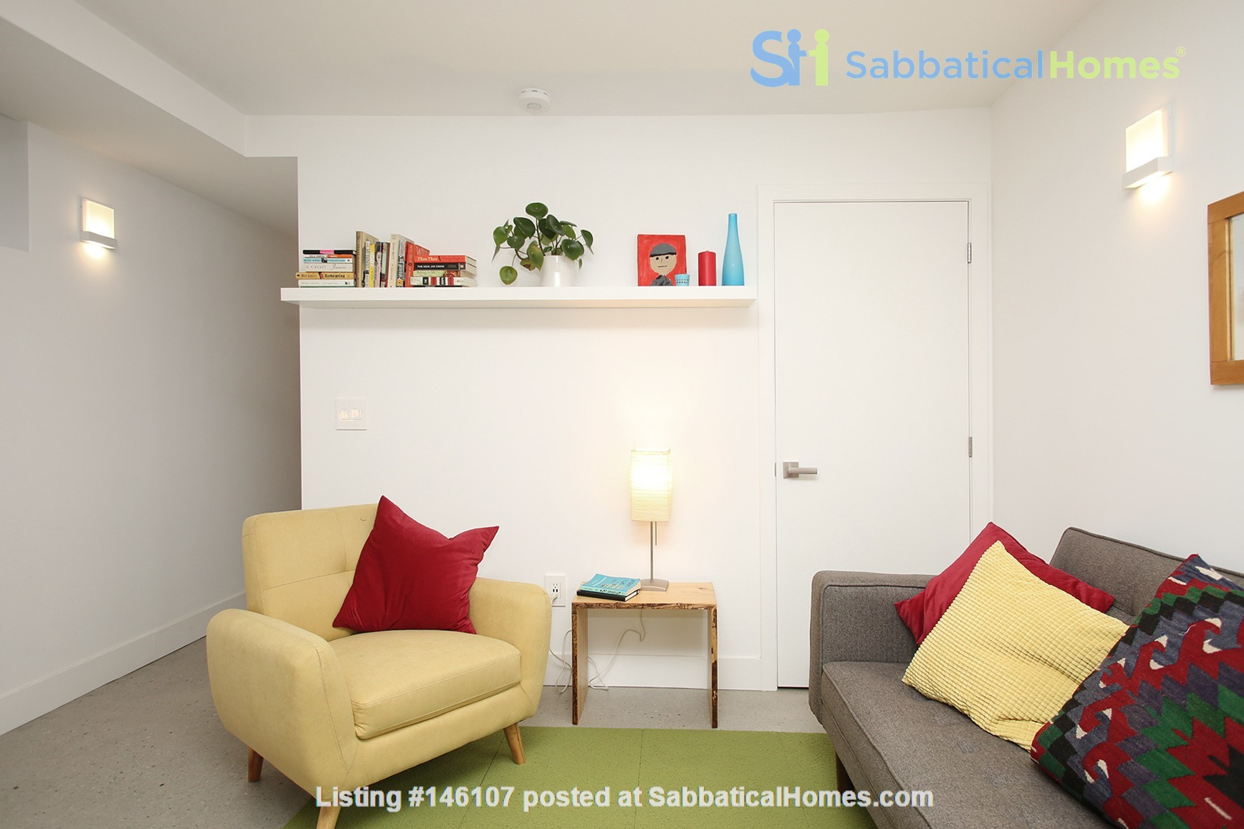 Modern designer space perfect for relaxing and working in! Home Rental in Toronto 2