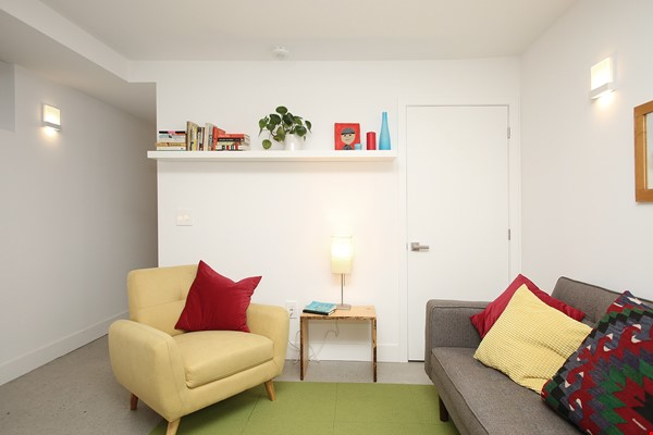 Modern designer space perfect for relaxing and working in! Home Rental in Toronto 2 - thumbnail