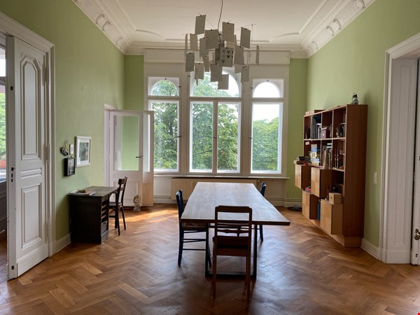 7-room upper-class apartment (2500 sq. foot) for long term rent Home Rental in Berlin 4 - thumbnail