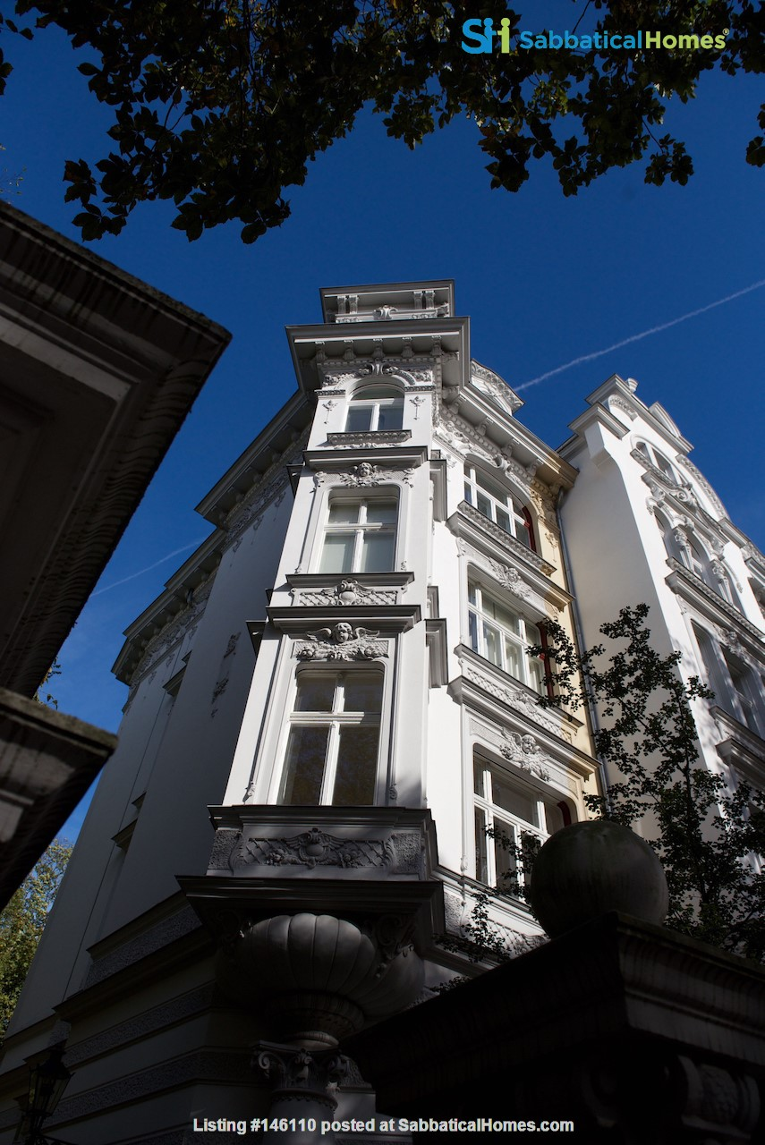 7-room upper-class apartment (2500 sq. foot) for long term rent Home Rental in Berlin 1