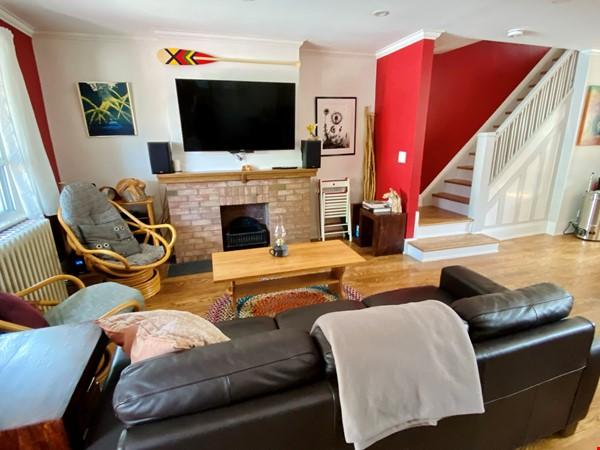 Charming 3 bdrm garden home for rent near The Danforth (w/backyard&parking) Home Rental in Toronto 3 - thumbnail