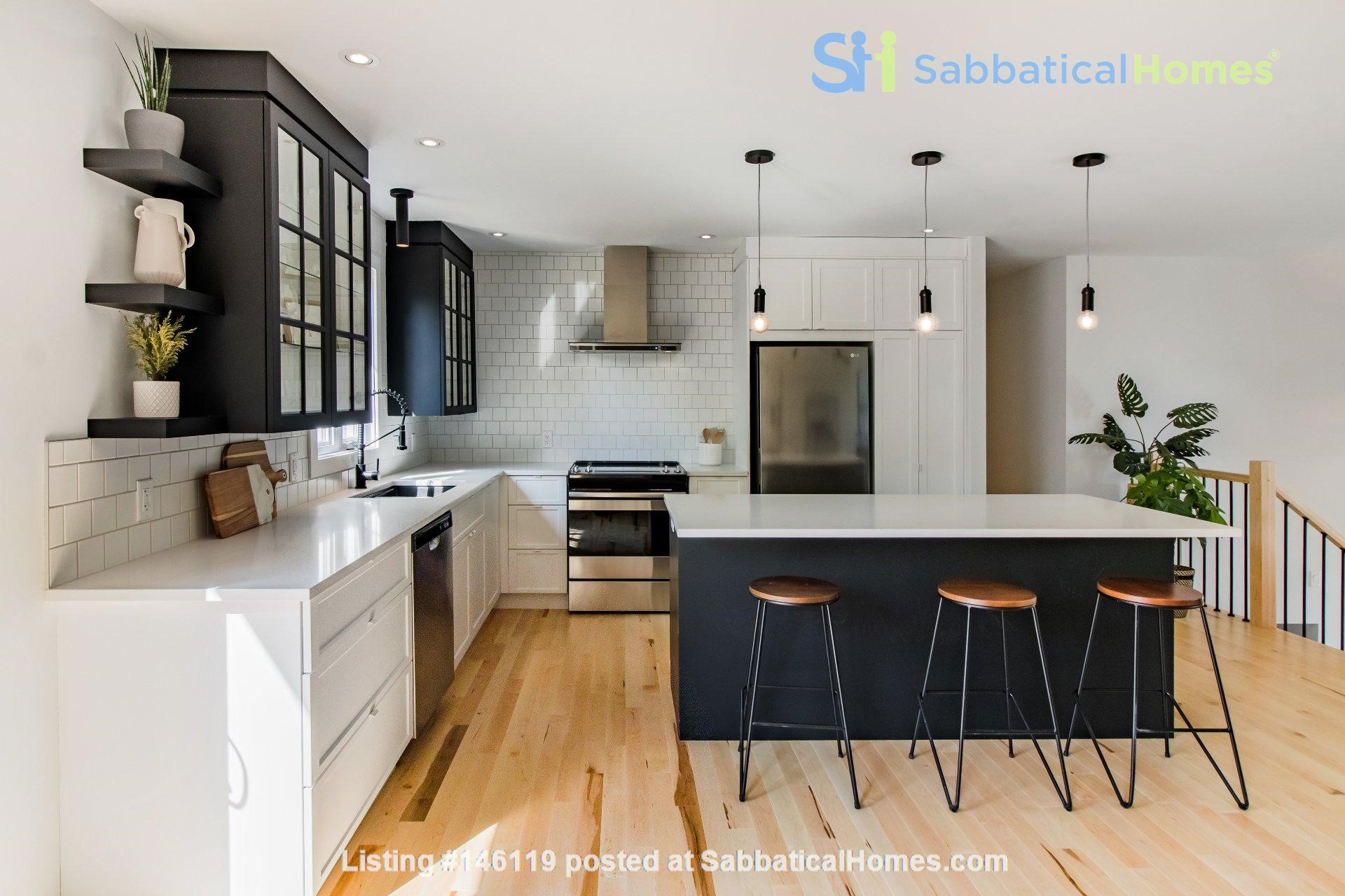 Brand new split level house in a quiet suburb 20 mins from Montreal Home Exchange in La Prairie 1