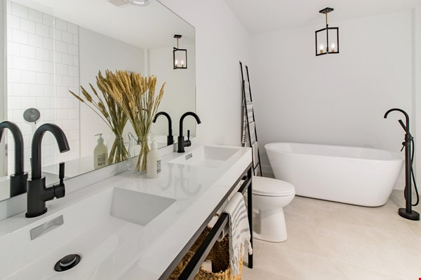 Brand new split level house in a quiet suburb 20 mins from Montreal Home Exchange in La Prairie 4 - thumbnail