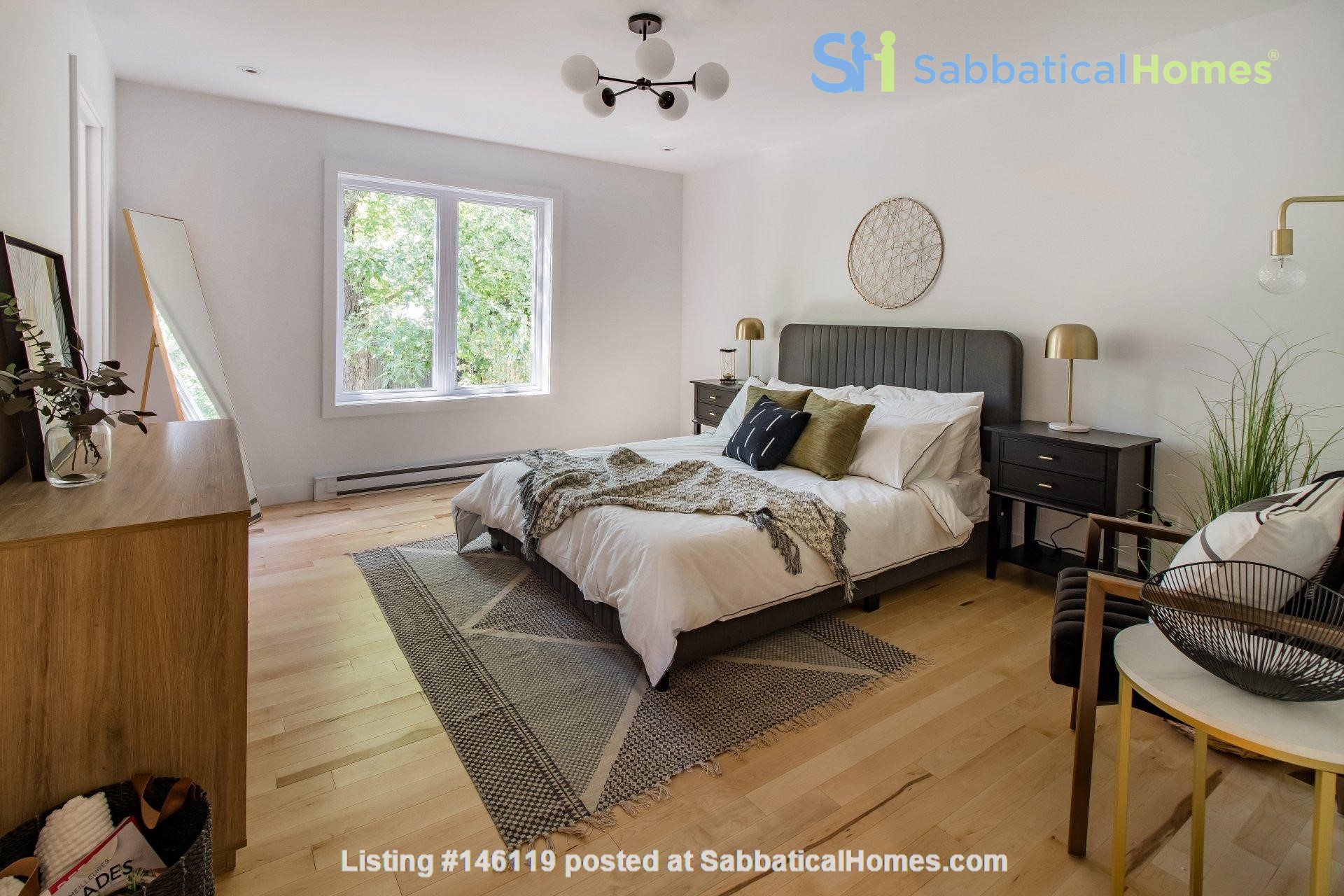 Brand new split level house in a quiet suburb 20 mins from Montreal Home Exchange in La Prairie 5