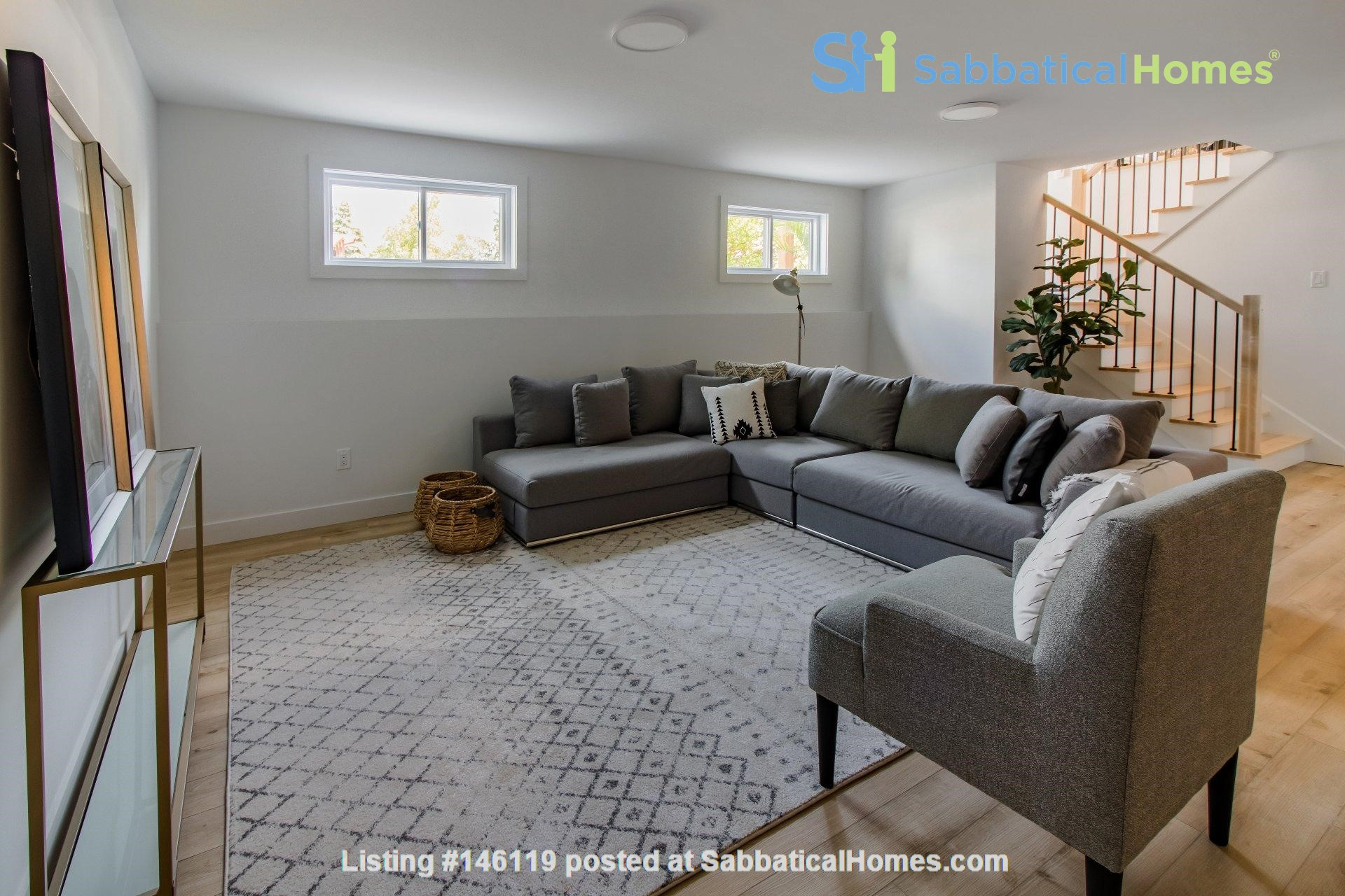 Brand new split level house in a quiet suburb 20 mins from Montreal Home Exchange in La Prairie 7