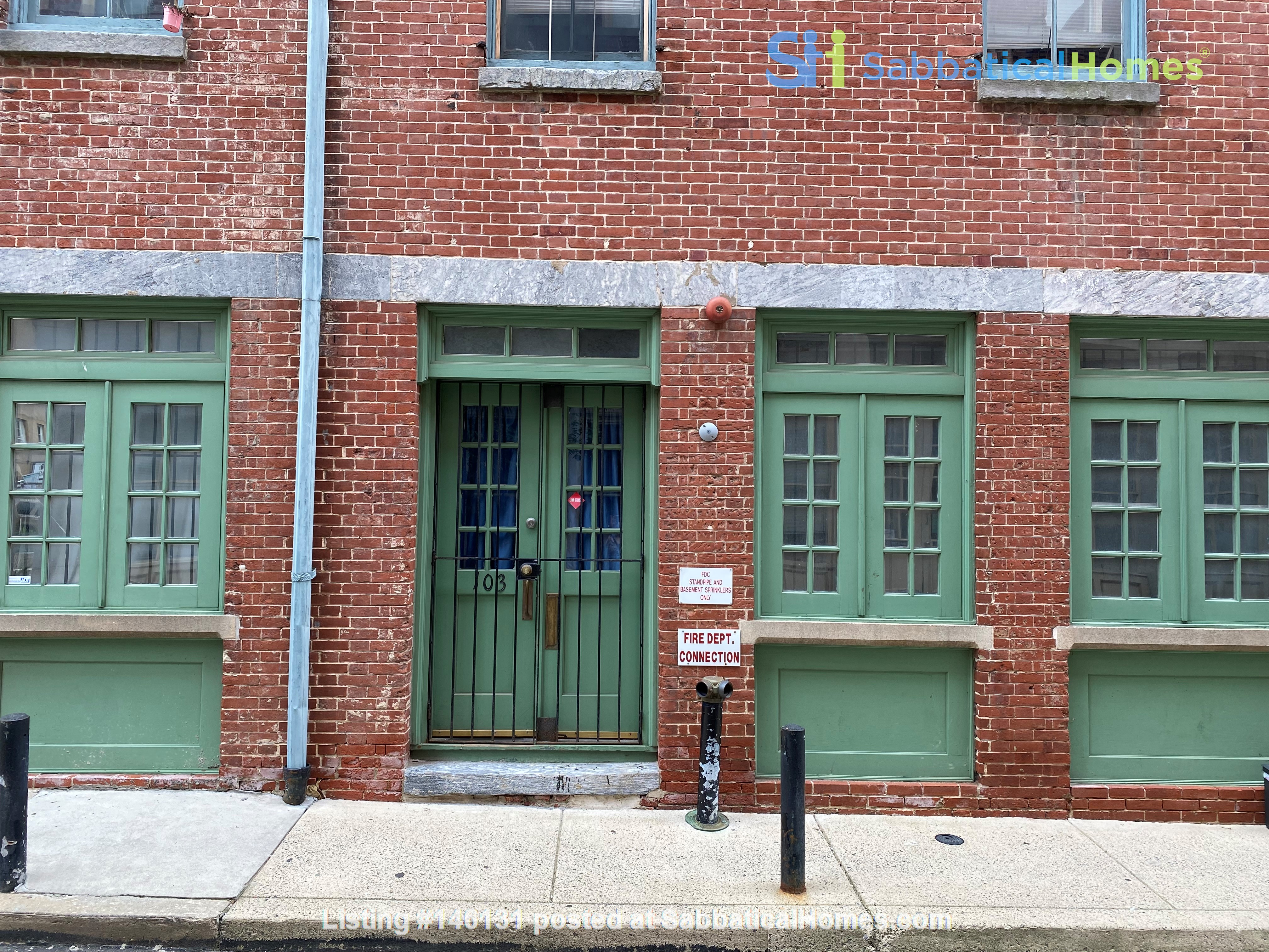 Spacious Old City 1 bedroom available Aug 1 -a city oasis! Home Rental in Philadelphia 8