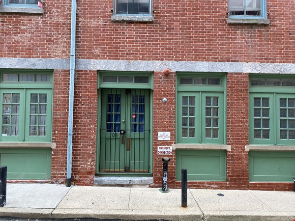 Spacious Old City 1 bedroom available Aug 1 -a city oasis! Home Rental in Philadelphia 8 - thumbnail