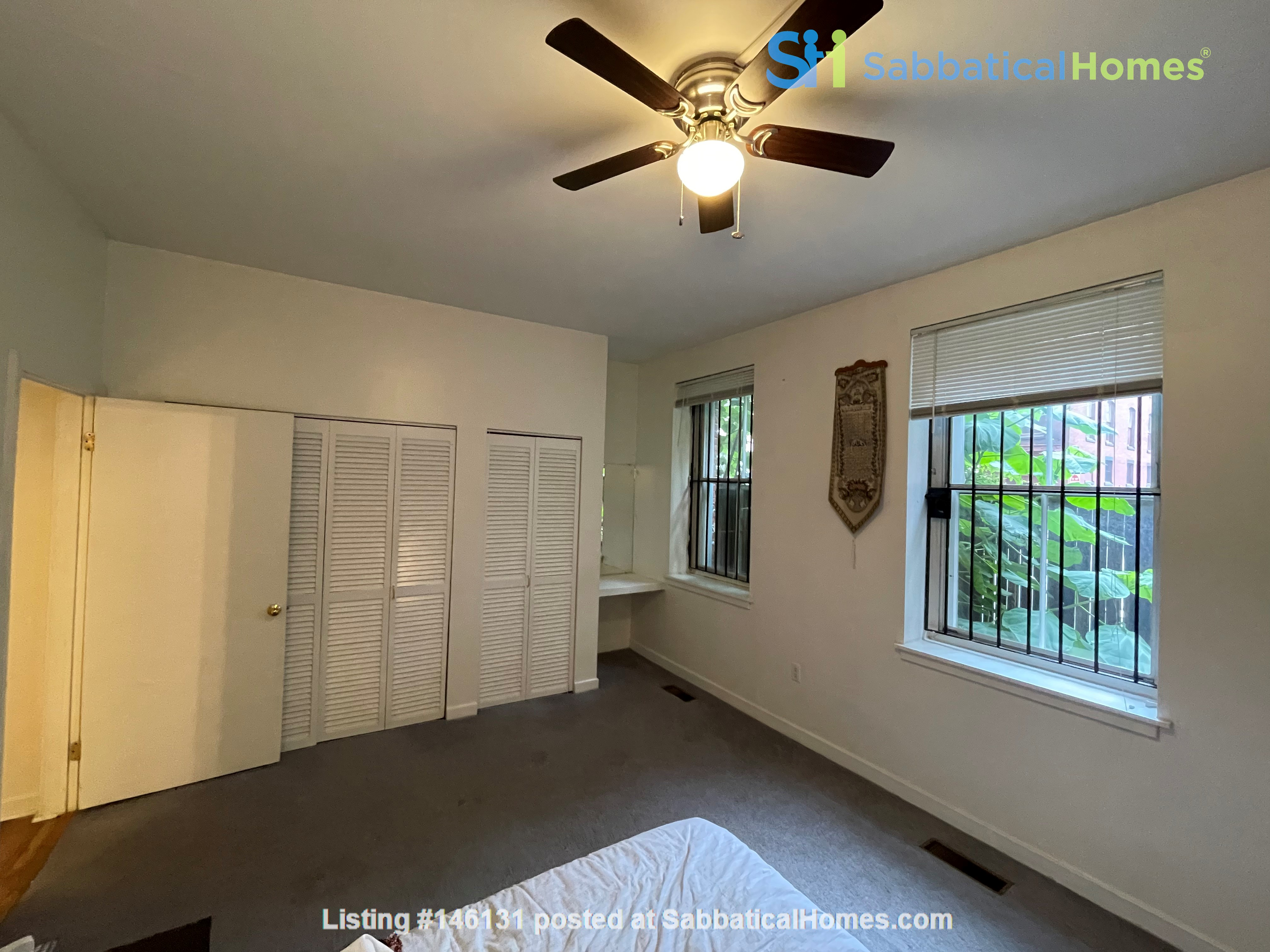 Spacious Old City 1 bedroom available Aug 1 -a city oasis! Home Rental in Philadelphia 4