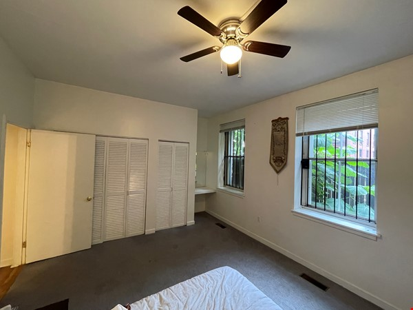 Spacious Old City 1 bedroom available Aug 1 -a city oasis! Home Rental in Philadelphia 4 - thumbnail