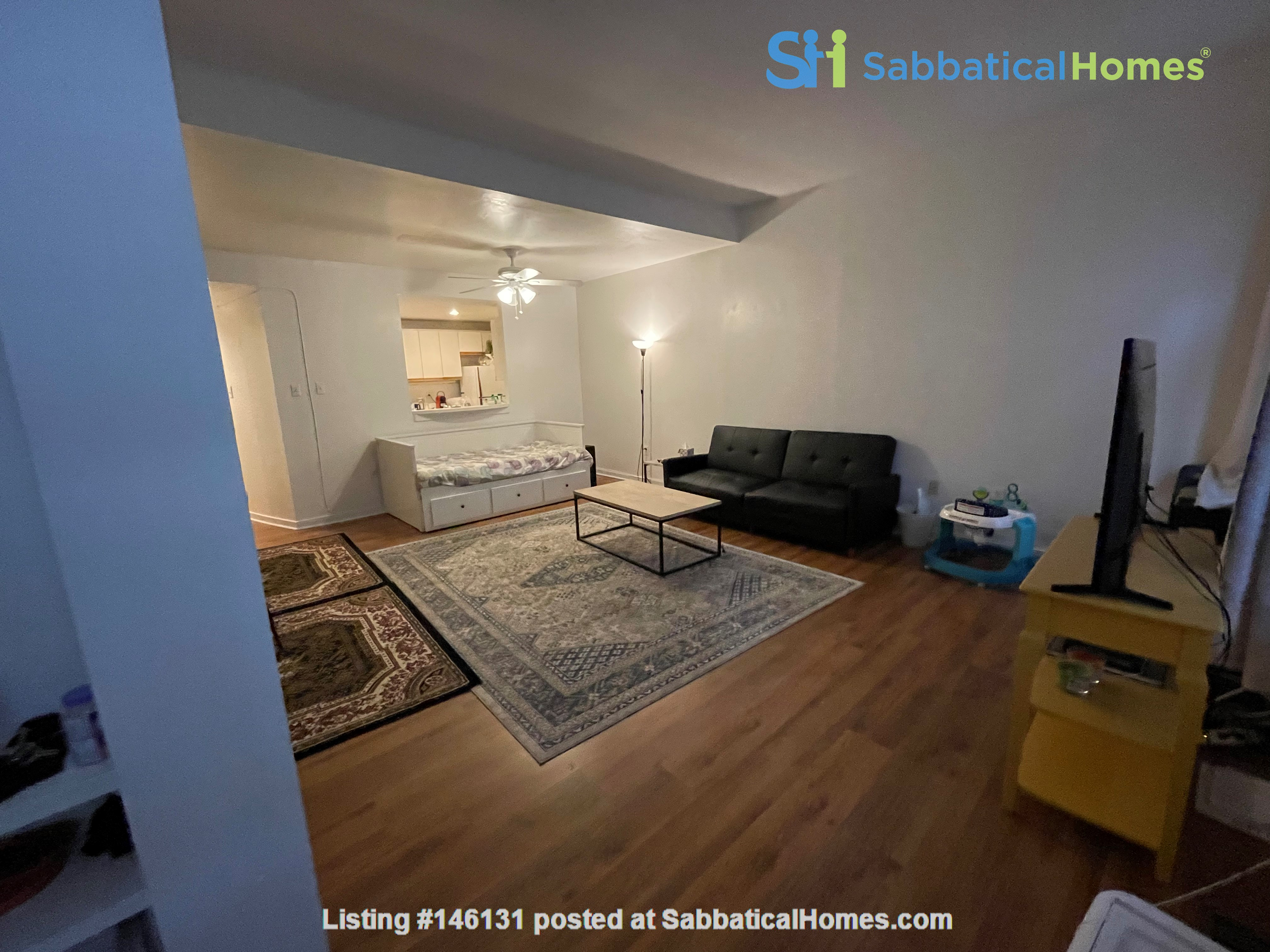 Spacious Old City 1 bedroom available Aug 1 -a city oasis! Home Rental in Philadelphia 1
