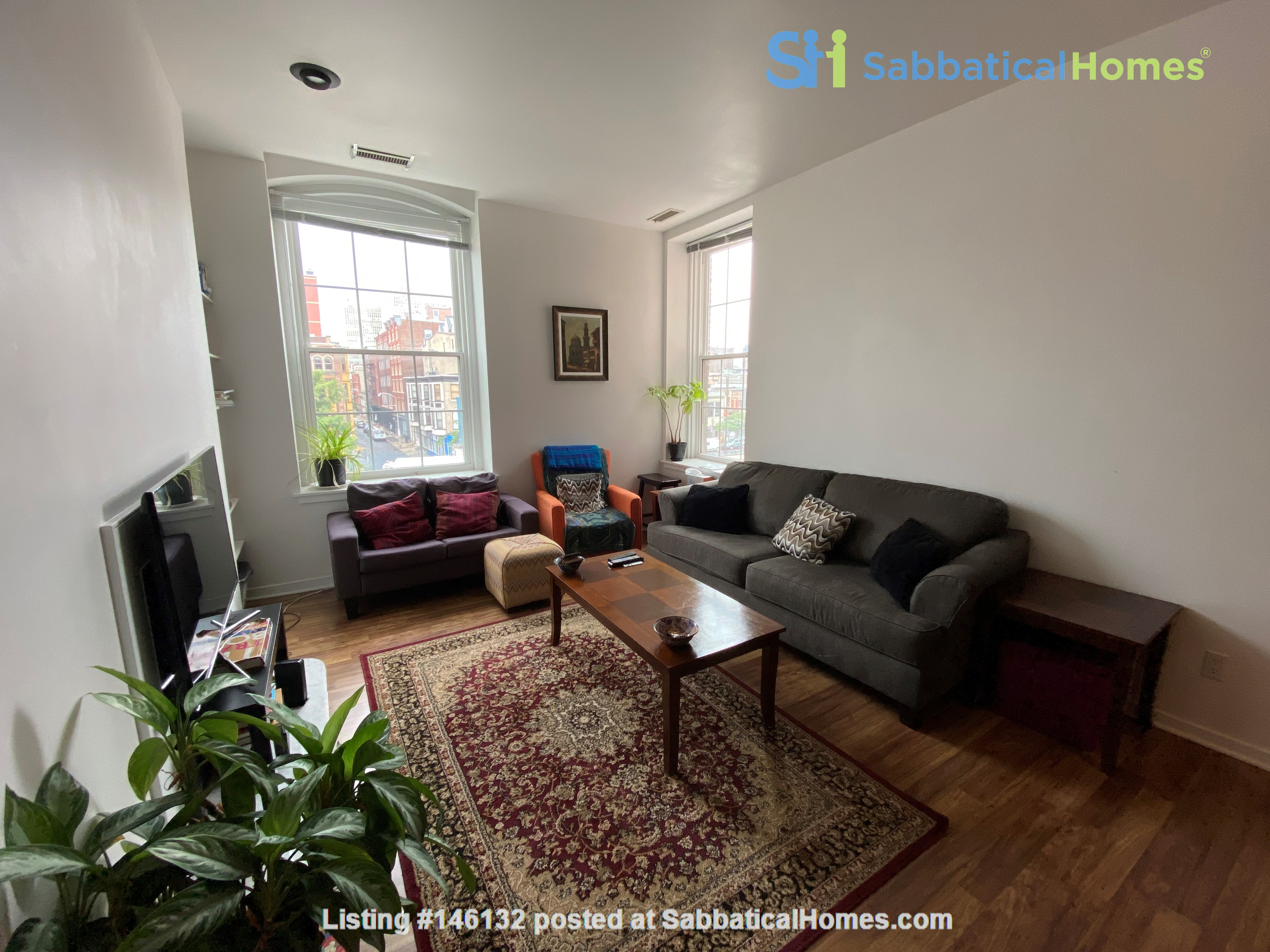 Sunny and bright old city 2 bedroom - near everything! Home Rental in Philadelphia 1