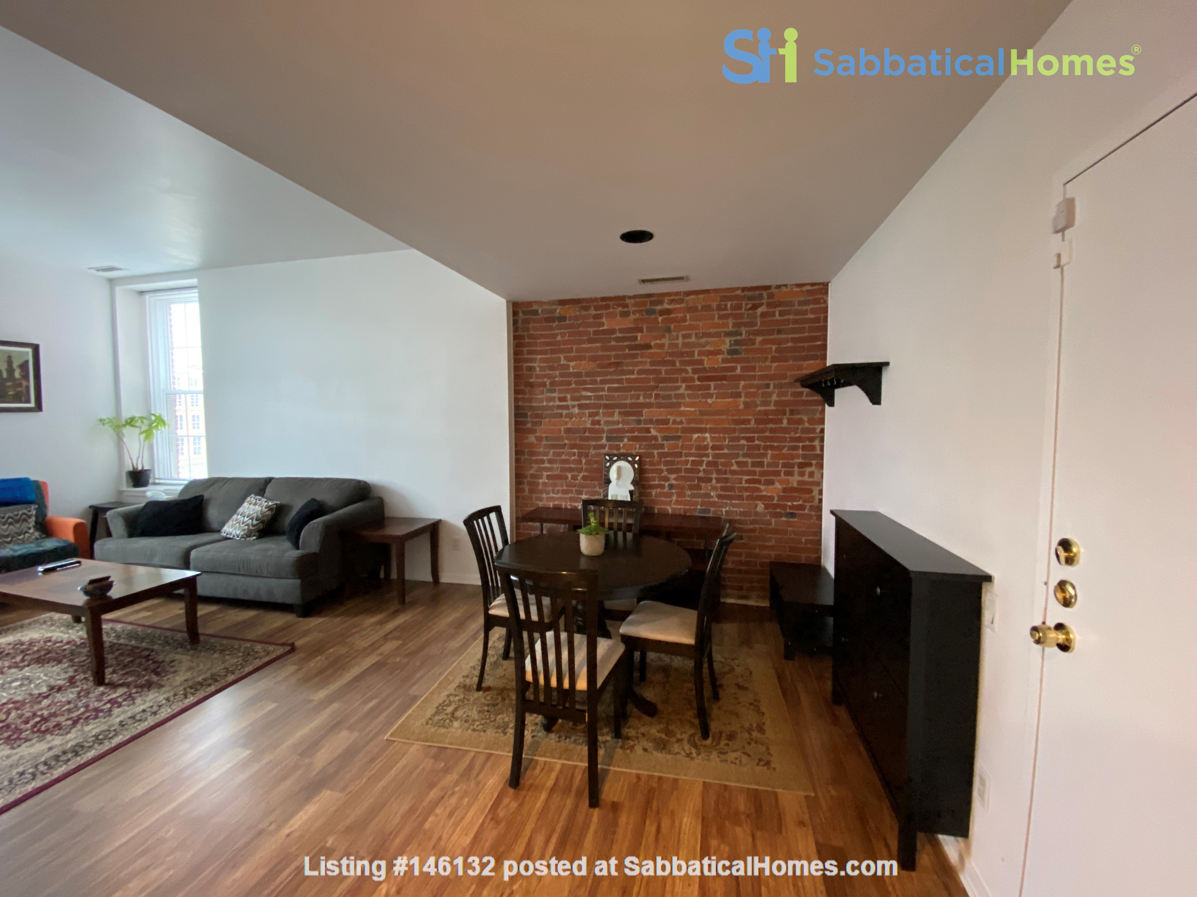 Sunny and bright old city 2 bedroom - near everything! Home Rental in Philadelphia 2