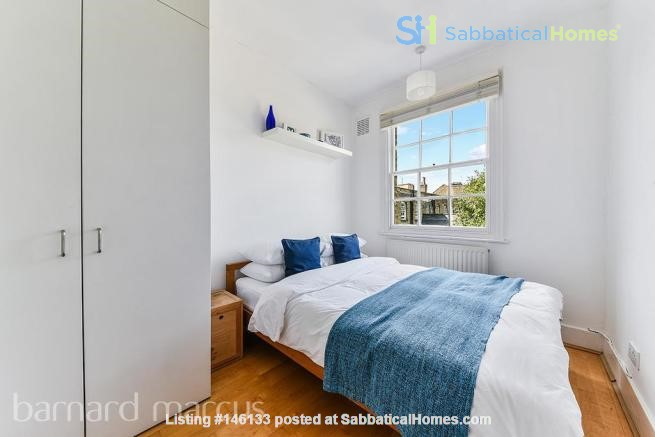 A bright, beautiful house on the cutest square in Kennington! Home Rental in  0
