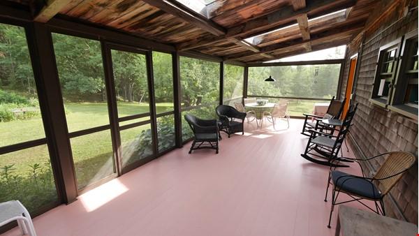 Idyllic Midcoast Maine Writer/Artist's Retreat Home Rental in Searsmont 4 - thumbnail