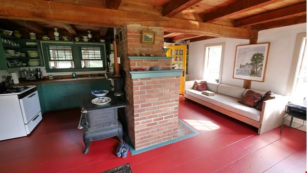 Idyllic Midcoast Maine Writer/Artist's Retreat Home Rental in Searsmont 5 - thumbnail