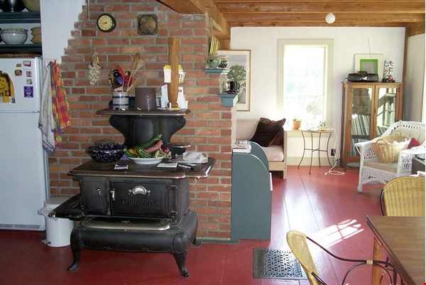 Idyllic Midcoast Maine Writer/Artist's Retreat Home Rental in Searsmont 6 - thumbnail