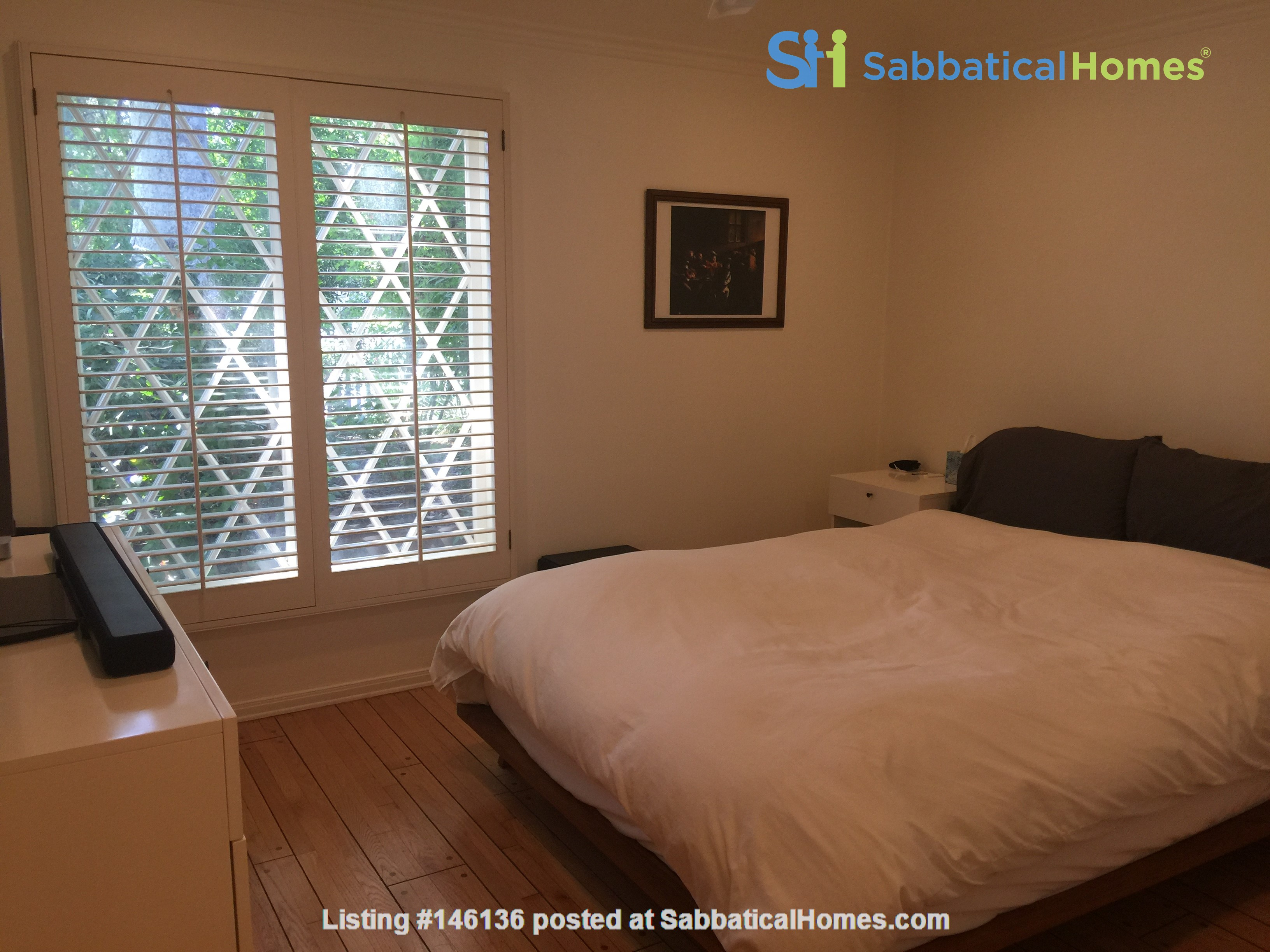 Charming storybook home with great location and pool Home Rental in Los Angeles 6