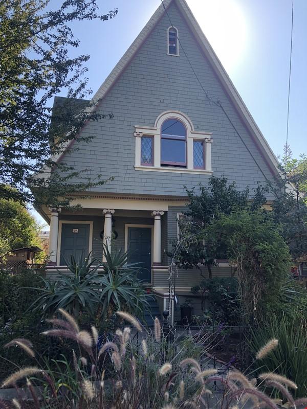 Beautiful, split-level, loft-style 1 bd. with study near CAL Home Rental in Berkeley 0 - thumbnail