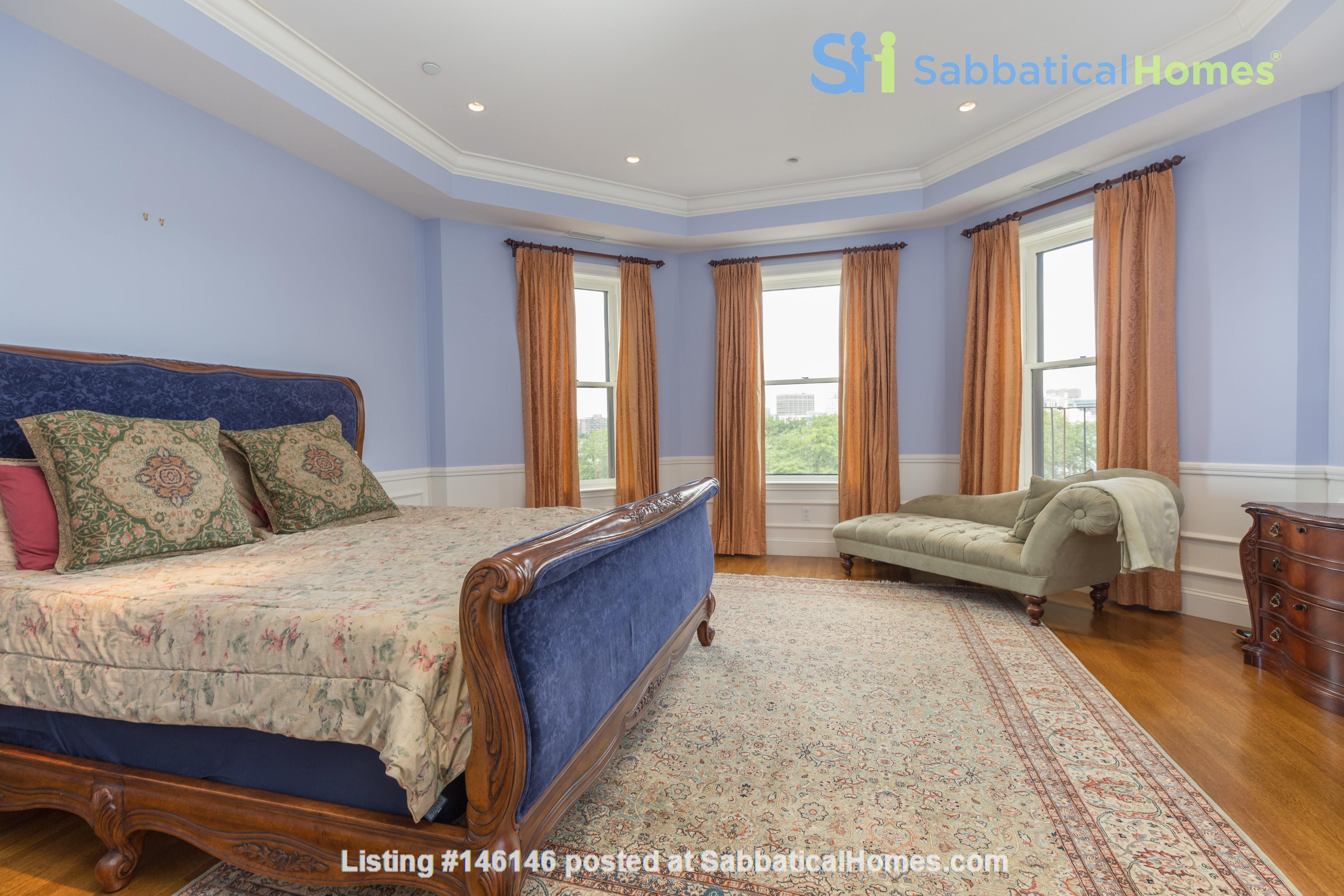 Beautiful, spacious 2-bedroom Back Bay apartment Home Rental in Boston 6
