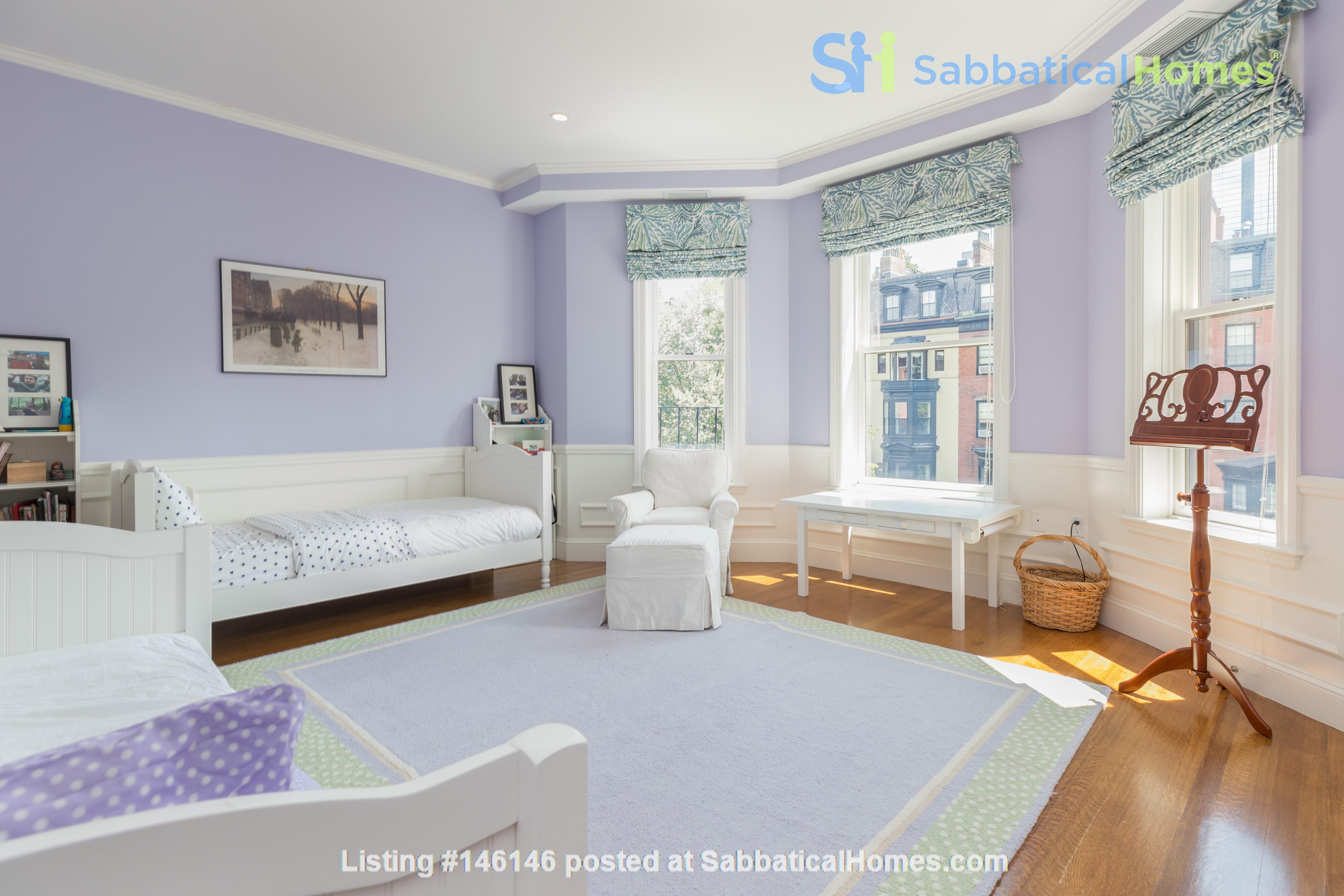 Beautiful, spacious 2-bedroom Back Bay apartment Home Rental in Boston 8