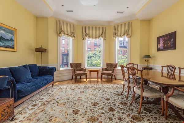 Beautiful, spacious 2-bedroom Back Bay apartment Home Rental in Boston 0 - thumbnail