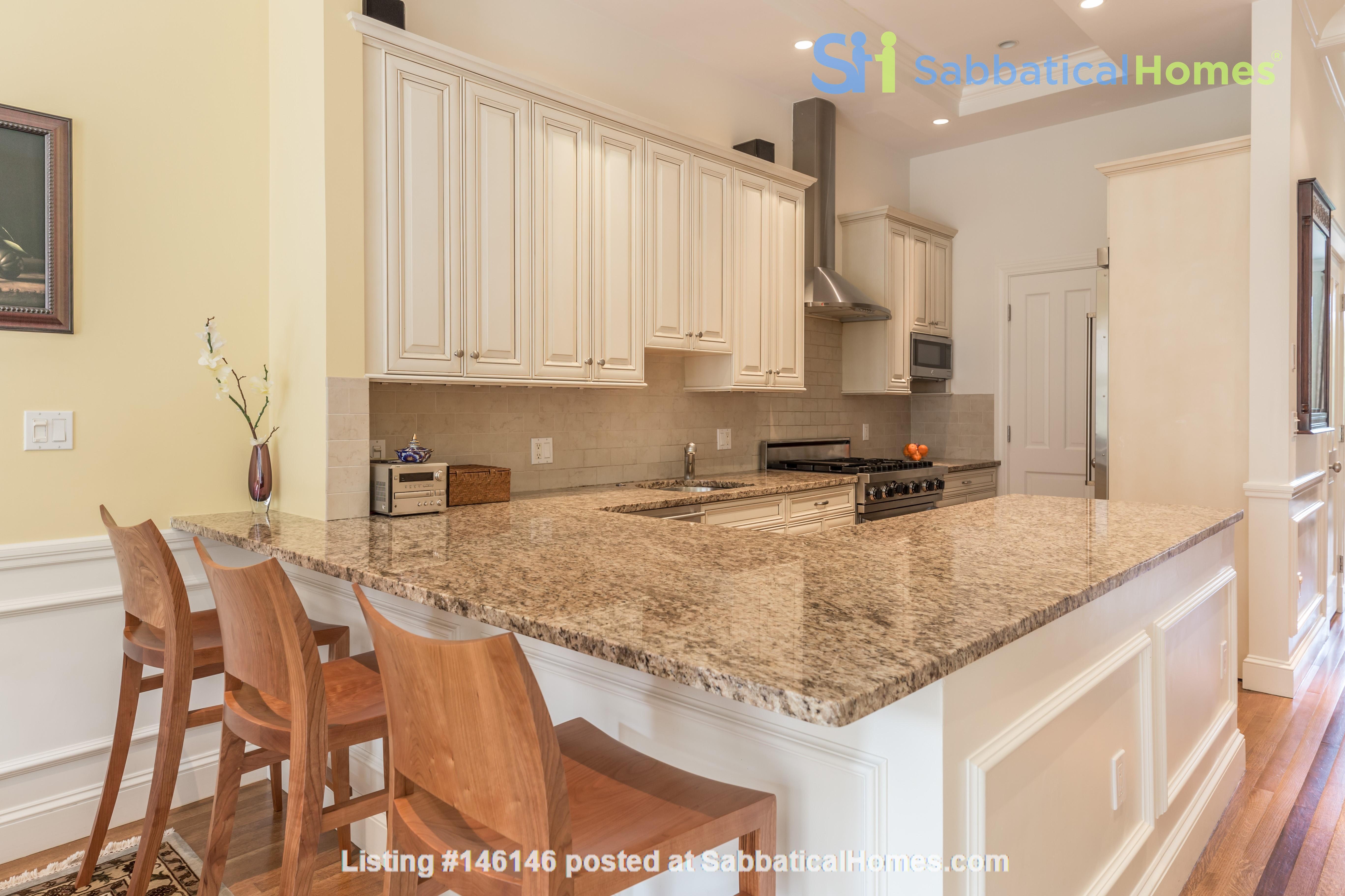 Beautiful, spacious 2-bedroom Back Bay apartment Home Rental in Boston 2