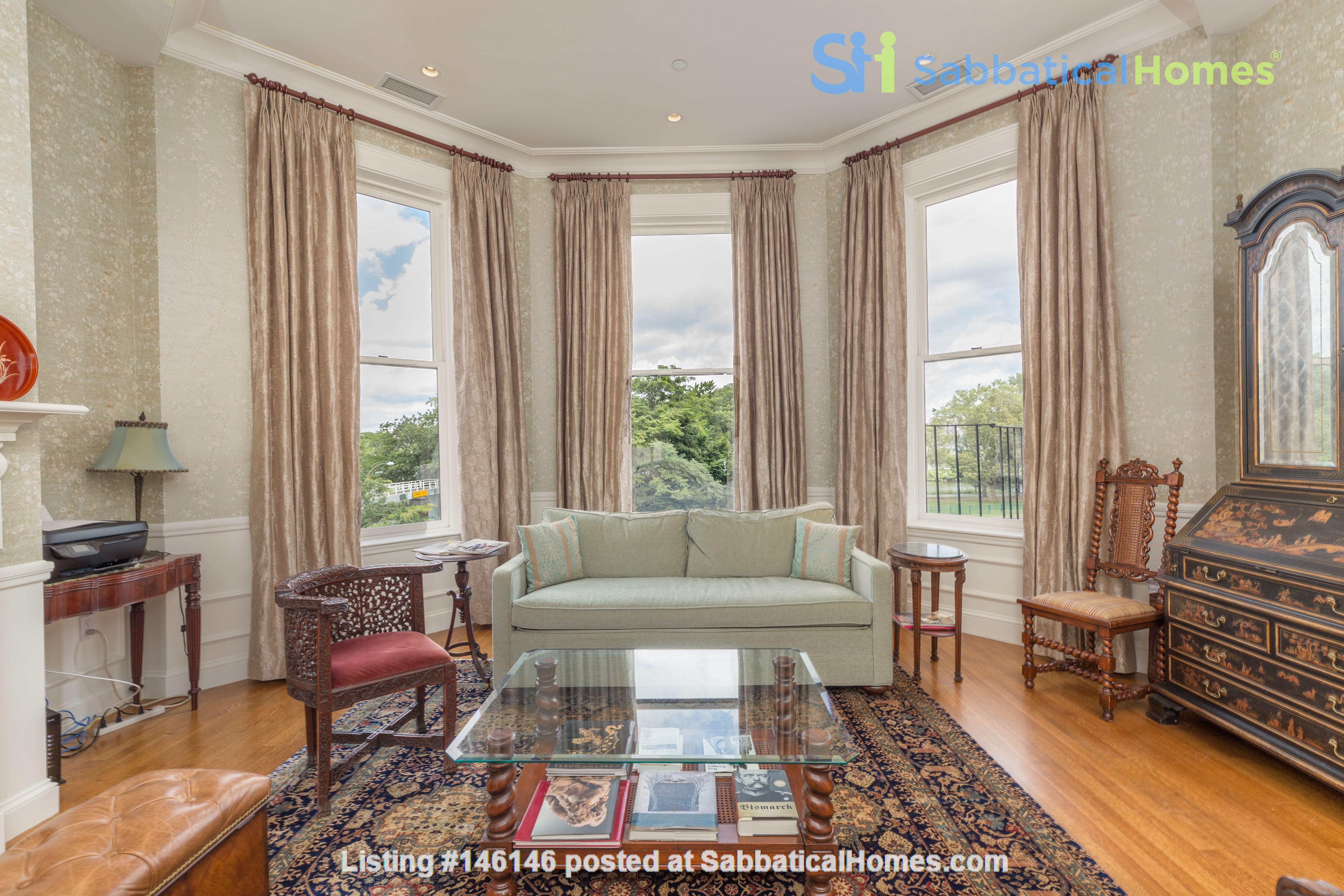 Beautiful, spacious 2-bedroom Back Bay apartment Home Rental in Boston 1