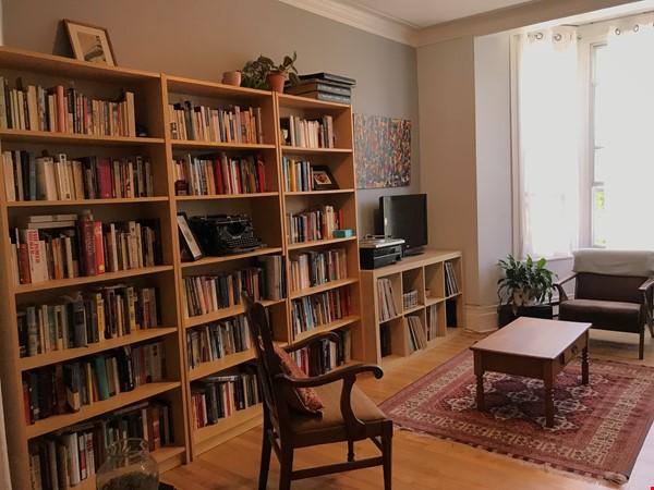 Spacious apartment in vibrant Saint-Henri, close to park, cafes and Metro Home Rental in Montréal 2 - thumbnail