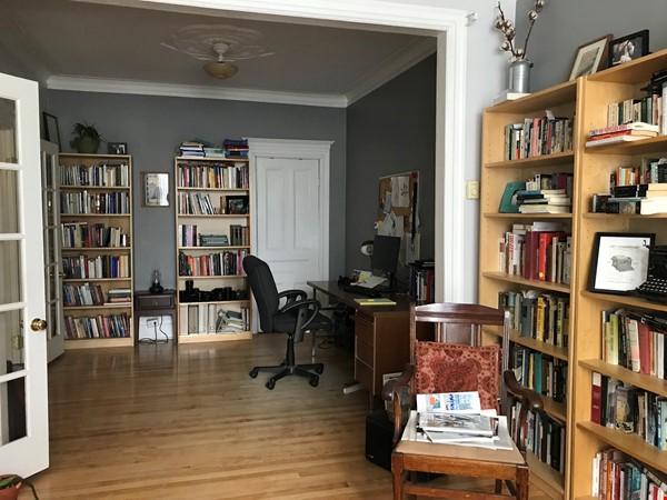 Spacious apartment in vibrant Saint-Henri, close to park, cafes and Metro Home Rental in Montréal 3 - thumbnail