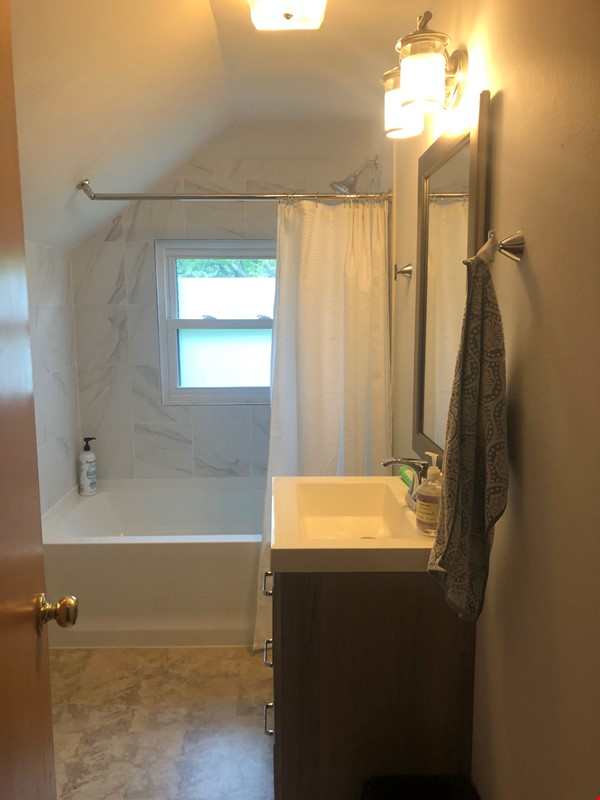 Fully furnished Midcentury Modern House in quiet Mid-town Madison Home Rental in Madison 9 - thumbnail