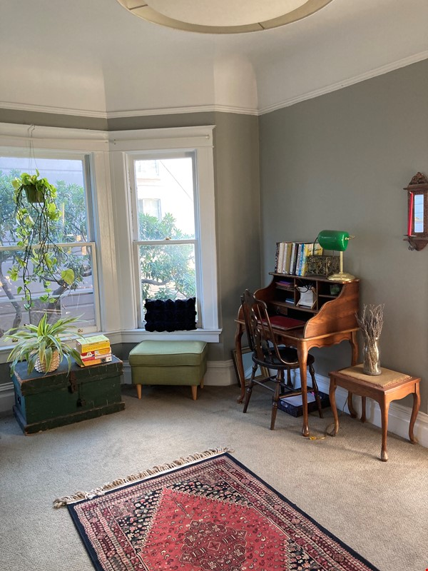 Historic, central SF Victorian in Russian Hill, views of Golden Gate Bridge Home Rental in SF 2 - thumbnail
