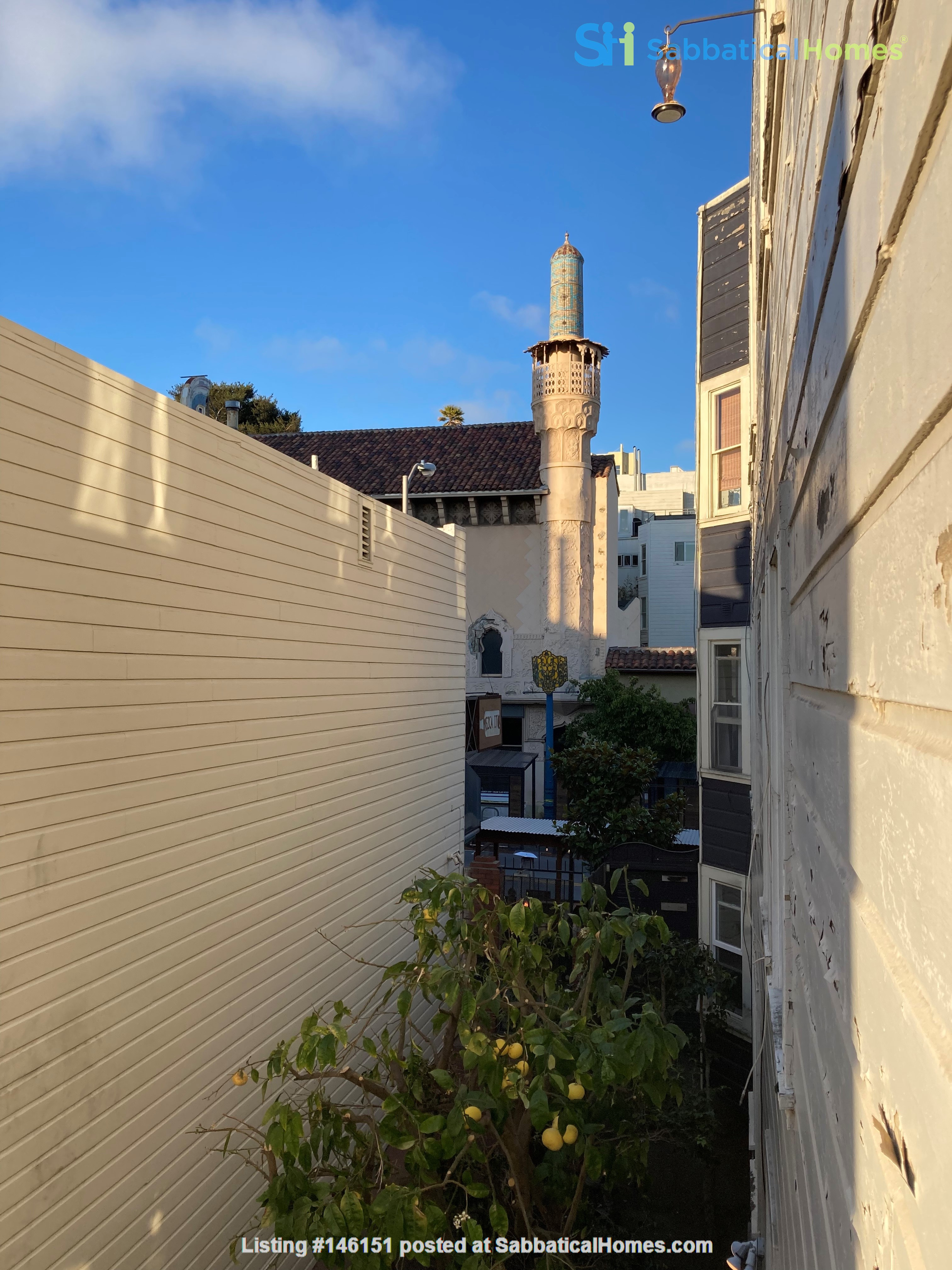 Historic, central SF Victorian in Russian Hill, views of Golden Gate Bridge Home Rental in SF 7