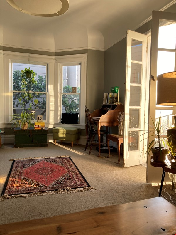 Historic, central SF Victorian in Russian Hill, views of Golden Gate Bridge Home Rental in SF 4 - thumbnail