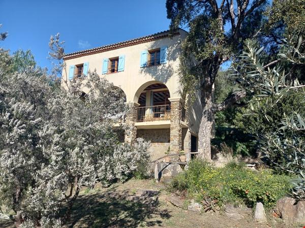 house for rent near Le Lavandou France for a 6 month term(negotiable) Home Rental in Le Lavandou 1 - thumbnail