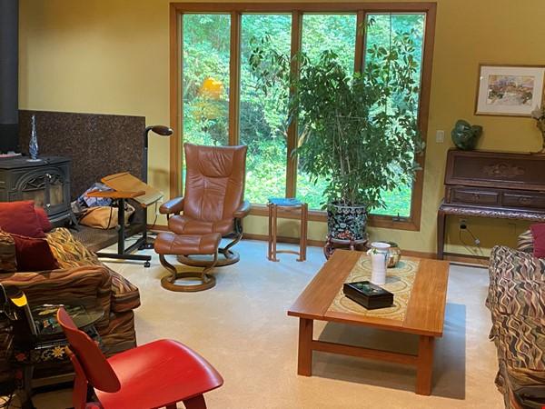 Spacious Ann Arbor Hills Home - Easy Walk to Campus -Close to the Arboretum Home Rental in Ann Arbor 0 - thumbnail